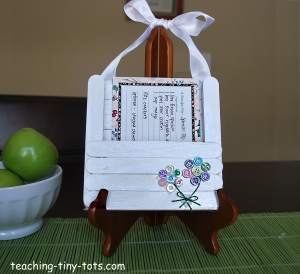 recipe holder with button flowers