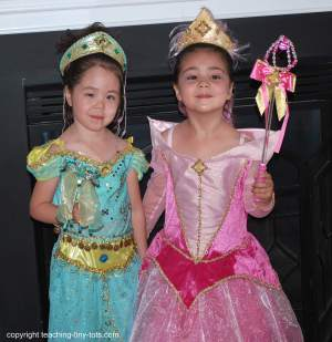 halloween party princessess