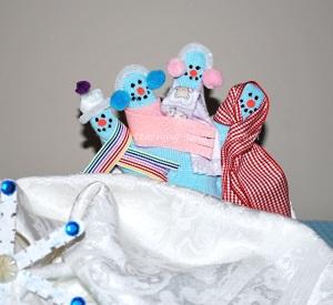 mitten finger puppets