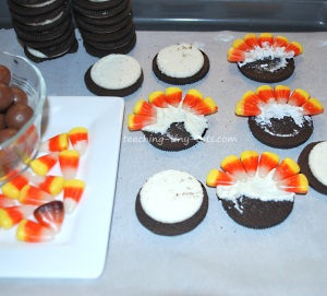 oreo turkeys putting in the candy corn