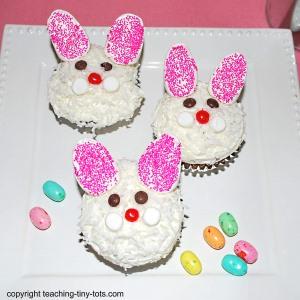 easter bunny cupcake