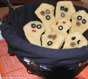 cheesy ghosts in basket