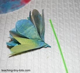 coffee filter flower using chenille stem