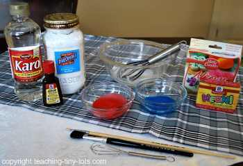 making sugar cookie icing