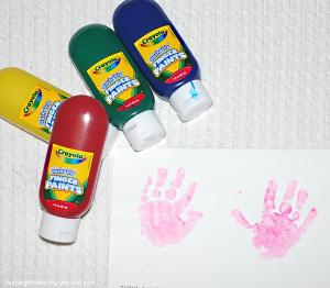 finger paint tiny hanprints