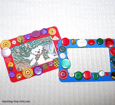 Make this cute button frame.