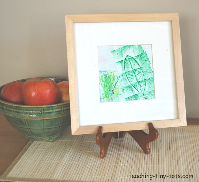 Make a crayon rubbing with leaves.