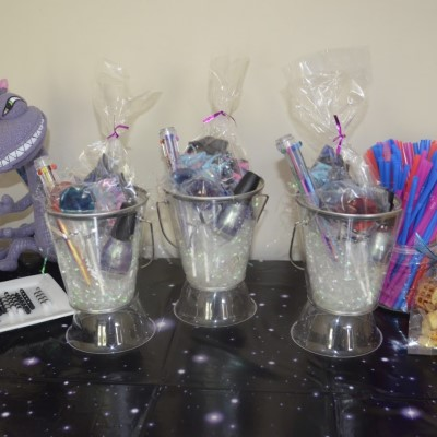 cute pails for holding party favors