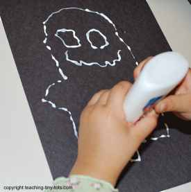 using glue to make the chalk ghost
