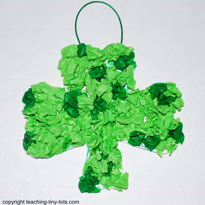 Make a puffy shamrock for St. Patrick's Day.