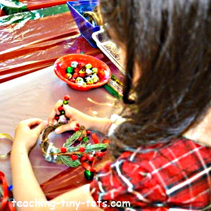Making a Christmas Wreath door hanger and ornament