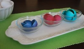 separate colored eggshells by color.
