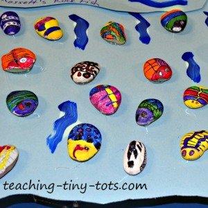 Painting fish on rocks