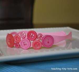 Decorate a headband with buttons