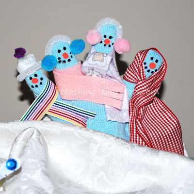 Mitten Snowmen finger puppets.