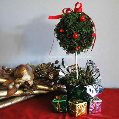 Make this Christmas Moss Topiary.