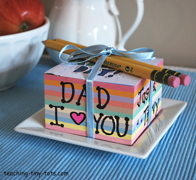 Make a personalized note cube for Father's Day.