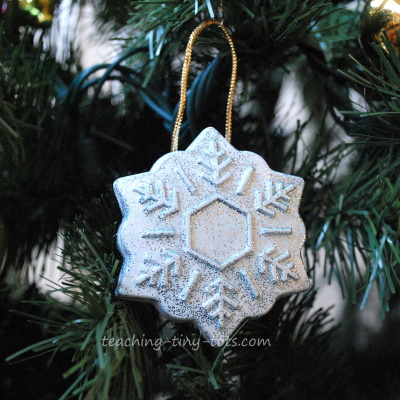 plaster of paris ornament using silicone mold