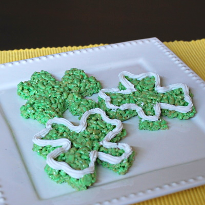 Make these delicious Shamrock Rice Krispies.