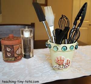 kitchen utensil pot