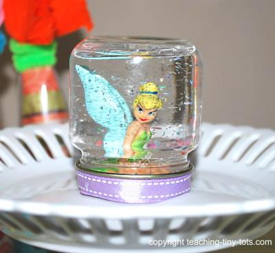 Make a cute Water Globe
